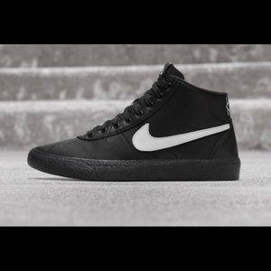 Nike Shoes - Nike Sb Bruin High. All eyes on you!